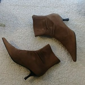 NWT Casual Corner Ankle Boots